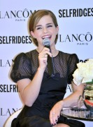 Emma Watson - Leggy At Selfridges, Februar 11, 2012, pics+video