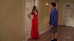 """Noureen DeWulf - Anger Management """"Charlie Spends the Night with Lacy"""""""
