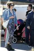 Anne Hathaway seen at Farmer's Market in LA February 1-2015 x14