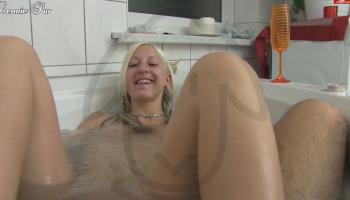 in der badewanne gefickt