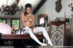 http://thumbnails110.imagebam.com/38972/7d635d389712942.jpg