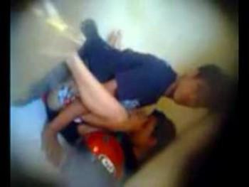 Video mesum ngentot diganggu anak