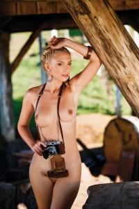 http://thumbnails110.imagebam.com/39832/2c9dfb398318953.jpg