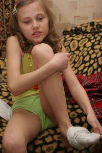 school girl archves nude